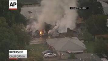 Small plane crashes into 2 homes in California