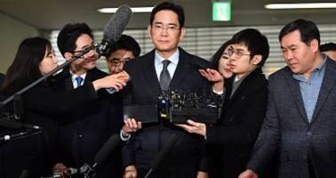 Samsung's Heir Lee Jae-Yong Faces Indictment on Bribery and Embezzlement Charges