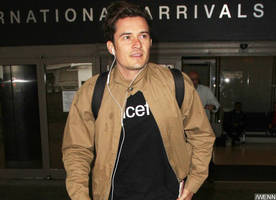 Orlando Bloom Spotted Cozying Up to Mystery Brunette Days Before Katy Perry Split