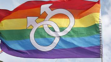 texas challenges gay marriage benefits
