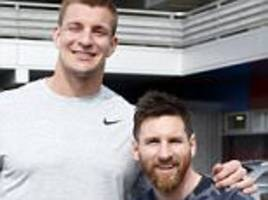 barcelona star lionel messi meets nfl star rob gronkowski
