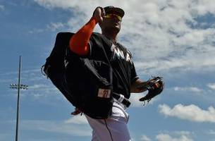 giancarlo stanton blasts first hr of spring against mets