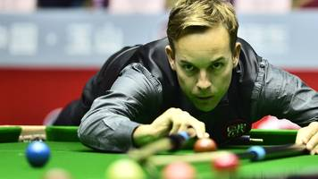 players championship: ali carter beats neil robertson to reach semis