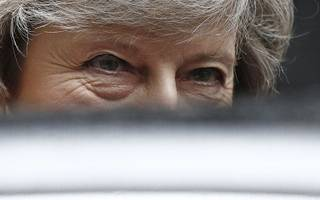 may chatted with top bankers about hard brexit and cliff edges