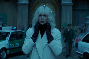 'atomic blonde' new trailer is literally just charlize theron kicking ass for 2 minutes (video)