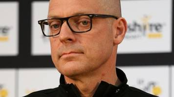 sir dave brailsford: team sky boss says he will not resign over 'mystery package'