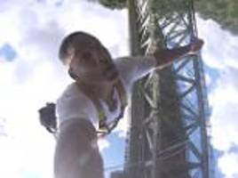 will smith bungee jumps off victoria falls