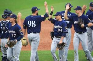 braun, aguilar lead brewers over san diego