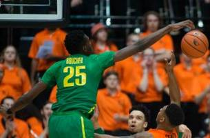 report: oregon's chris boucher tears acl, out for the season