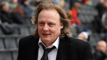 pete winkelman: mk dons chairman 'stuck' by team at afc wimbledon game