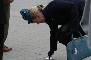 zara phillips throws away her money at cheltenham