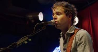 Taylor Goldsmith: 4 Facts to Know about Mandy Moore's Boyfriend in 2017