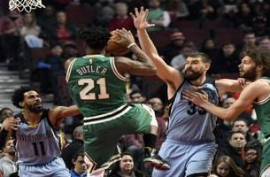 Grizzlies LIVE to GO: Grizzlies take care of business in the Windy City and get the victory over the Bulls 98-91
