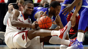 Controversial late call looms over Arkansas's first-round victory over Seton Hall