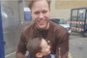 ilkeston boy william smedley meets olly murs who helped him...