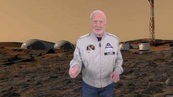 buzz aldrin launches vr plan to get humans to mars