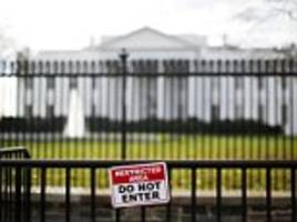 Driver pulls up to the White House claiming to have a bomb