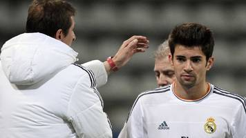 Zidane's son Enzo misses penalty & is sent off for Real reserves