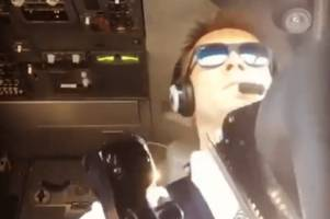 Watch this pilot at the controls as he lands a passenger jet in extremely windy conditions