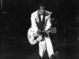 Chuck Berry 911 call reveals that the had a heart attack
