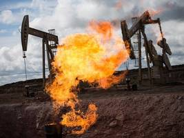Oil slides as US production shows no signs of slowing down