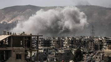 Syria conflict: Aircraft pound rebel-held eastern Damascus