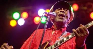 Chuck Berry Wiki: Cause of Death, Songs, Net Worth, Family, & Facts to Know