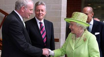 Queen sending private message to Martin McGuinness' wife following death of Sinn Fein chief