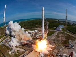 spacex may be about to dramatically cut the cost of launching stuff into orbit