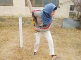 kashmiri schoolgirl dreams of playing for india