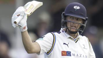 Gary Ballance: Yorkshire captain extends contract to end of 2019 season