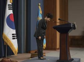 South Korean Former President Park Apologizes, Promises To Answer Questions in Corruption Investigation