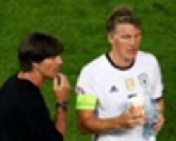 low hits out at man utd: schweinsteiger could've helped them!