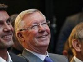 ferguson tells man united to focus on the europa league