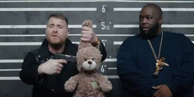 "run the jewels' new ""legend has it"" video mixes comedy and politics: watch"