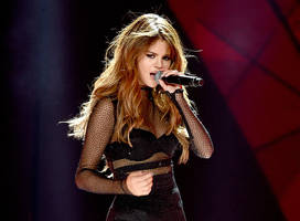 Selena Gomez Files Legal Documents To Trademark Her Name For One Exciting Reason [Report]