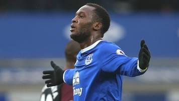 romelu lukaku could be best number nine in the world - roberto martinez