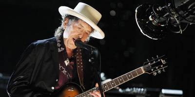 bob dylan talks amy winehouse, leonard cohen, much more in rare, extensive interview