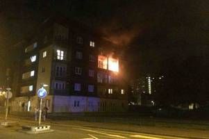 Police officers left their prisoner to save mum and baby from burning building