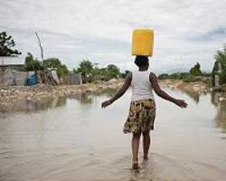 Water carriers in Madagascar bear brunt of global crisis