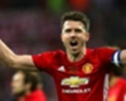 carrick worth another year at manchester united – robson