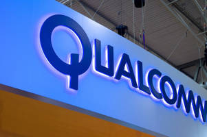 south korea finds qualcomm prevented samsung from selling chips to phone makers