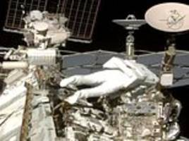 Spacewalk a success for French, US astronauts