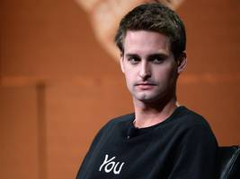 Snapchat is more like Twitter than Facebook in one important area (SNAP, TWTR, FB)
