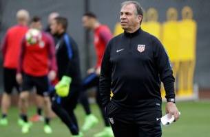 usmnt takes on honduras with backs against the world cup qualifying wall