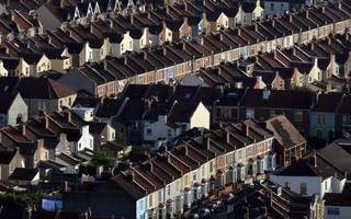 house prices under threat as mortgage approvals drop