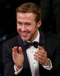 why ryan gosling couldn't stop laughing during the oscars best picture award mishap