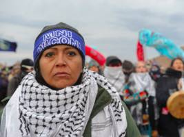 an anti-trump movement is calling for the boycott of these 36 dapl-linked banks