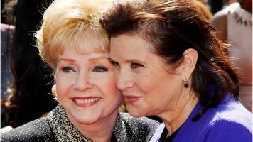 Carrie Fisher and Debbie Reynolds: Fans say goodbye at public service