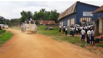 Militia fighters decapitate 40 police officers in DR Congo